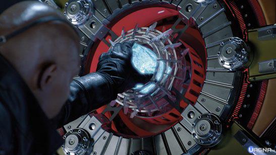 Avengers_43_fury_tesseract