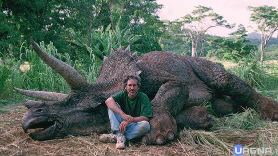 spielberg-triceratops-viral